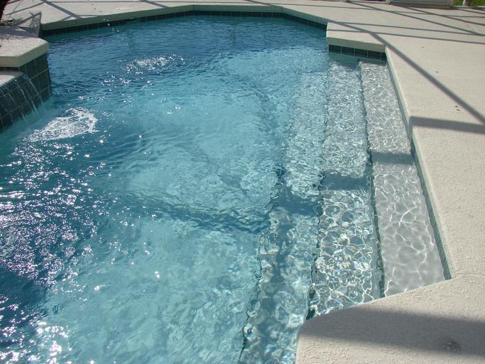bazénová voda