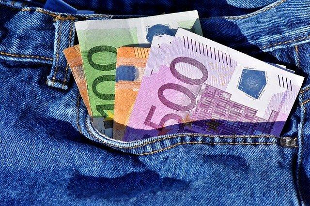Luxusní dámské značkové peněženky