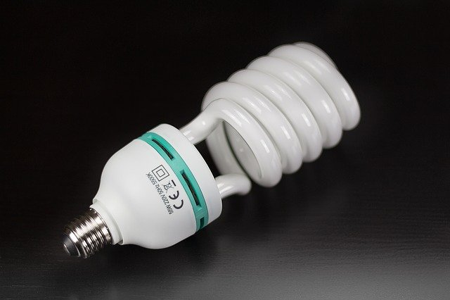 Efektivní zdroj světla, to je Osram Dulux